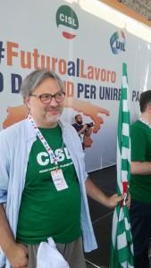 Il segretario regionale Cisl Umbria Riccardo Marcelli in attesa del comizio